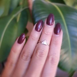 Серебряное кольцо без камней Треугольник