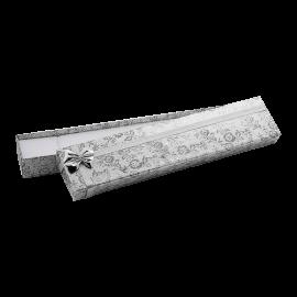 Футляр / упаковка ювелирных изделий длинная серебряная с серебряным бантом