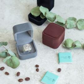 Футляр / упаковка ювелірних виробів оксамит квадрат коричнева