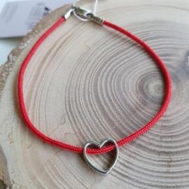 Браслет синтетический красный с сердечком и серебряной застежкой