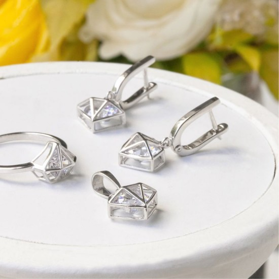 Комплект серебряный Бриллиант кольцо, серьги и подвес ЛК-0145