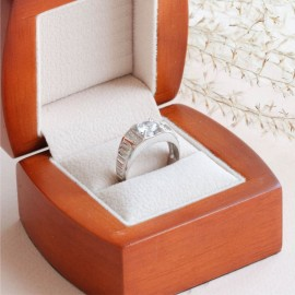 Перстень серебряный мужской Патриций с черным ониксом и белыми фианитами