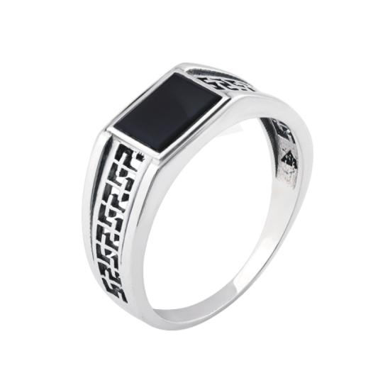 Серебряное кольцо  652р