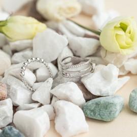 Серебряное кольцо без камней крупные Бусинки