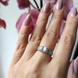 Серебряное кольцо с овальным камнем Руэлия