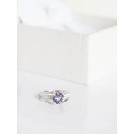 Серебряное кольцо с одним камнем Баланс