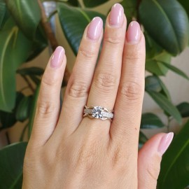 Серебряное кольцо с одним камнем Мистерия