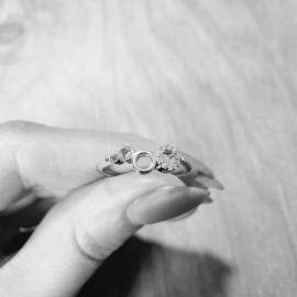 Серебряное кольцо Пузырьки с маленькими фианитами по кругу